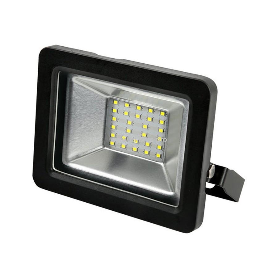 Прожектор LED  30W 6500K IP65 черный GAUSS